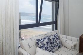 Image de Charming Beachfront Apartment