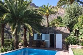 Image de Cottage à la Piscine Avec Grande Terrasse