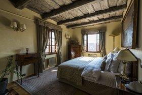 voir les prix pour Golden Well Hotel