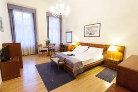 voir les prix pour Hotel Modrá Růže