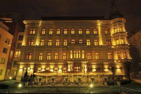 voir les prix pour Le Palais Hotel