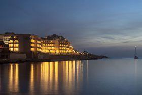 Image de Marina Hotel at the Corinthia Beach Resort