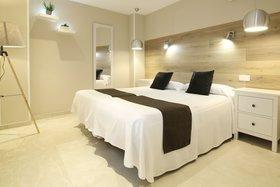 Image de Sol Square Apartments